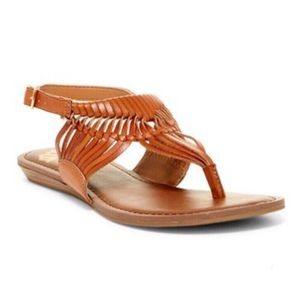 FERGIE | Tan Faux Leather Sadey Thong Sandals 9M